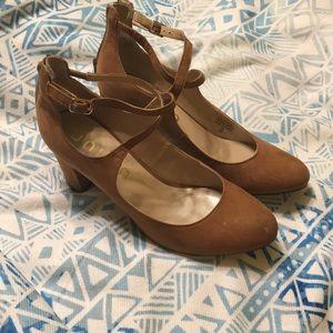 Unisa 7 heels tan suede uncaydenn